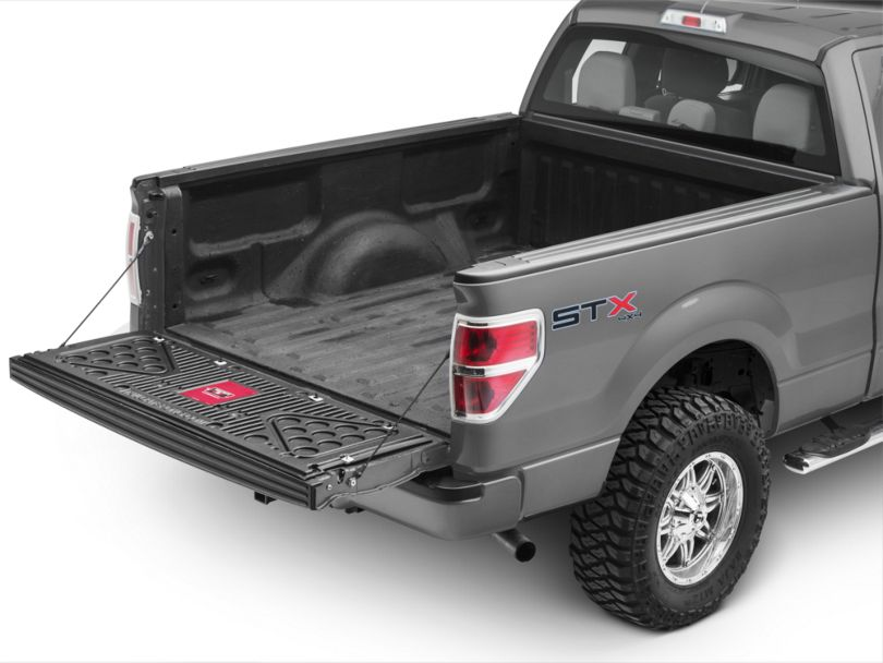 Tailgate Pong (04-14 F-150)