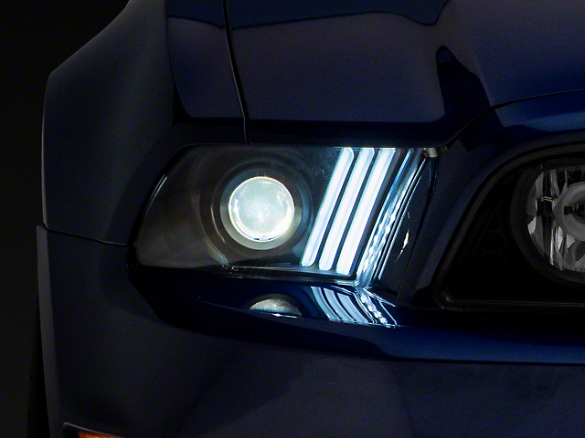 Signature Series Sequential Light Bar Projector Headlights; Black Housing; Clear Lens (13-14 w/ HID Headlights)