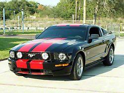 Racing Stripes; Black (05-09 GT)