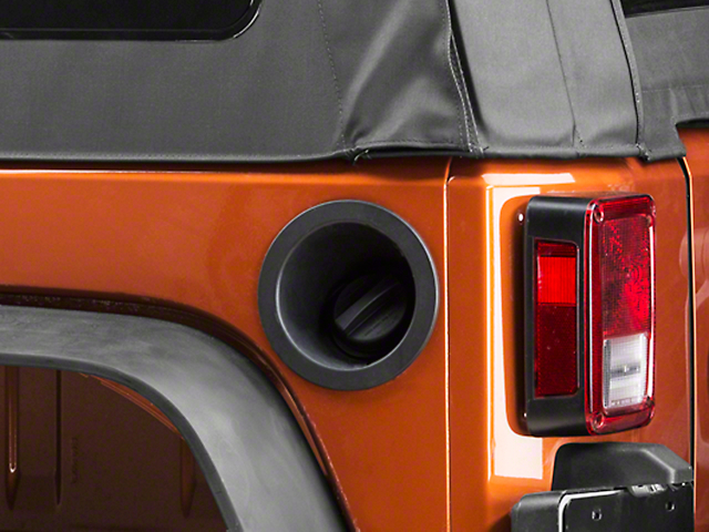 Omix-ADA Replacement Non-Locking Gas Cap (07-18 Jeep Wrangler JK)