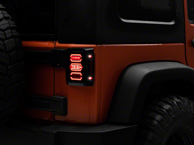 Jeep Wrangler Led Tail Lights >> Raxiom Jeep Wrangler Led Tail Light J106751 07 18 Jeep Wrangler Jk