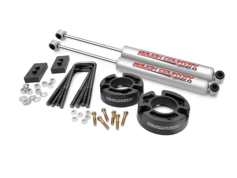 Rough Country 2.5 in. Leveling Lift Kit w/ Shocks (04-08 2WD/4WD)