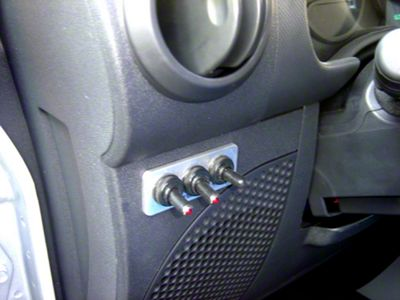 Delta Switch Plate Aluminum w/ 3 Switches (02-19 RAM 1500)