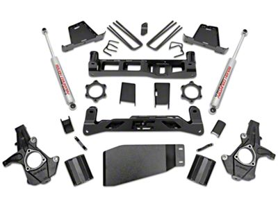 Rough Country 7.5 in. Suspension Lift Kit w/ Shocks (07-13 4WD Sierra 1500)